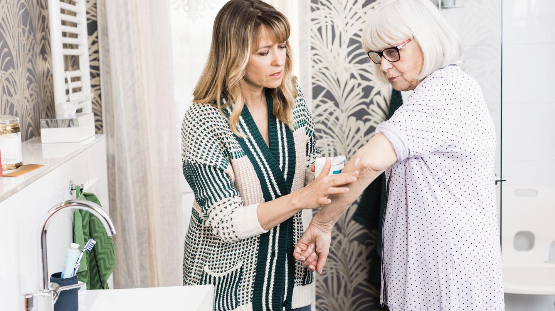 Körperpflege und Hautpflege bei Pflegebedürftigen: